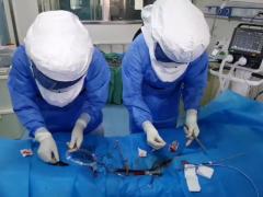 天津医疗队ECMO团队与死神赛跑 争分夺秒施救为患者带来生的希望
