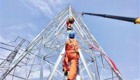 天津送变电工程有限公司双青至吴庄Ⅱ回500千伏线路工程完成首基铁塔组立