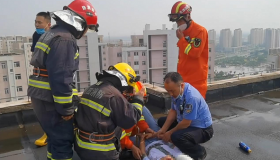 """天津市消防救援总队表彰""""5.25""""跳楼轻生救援行动指战员"""
