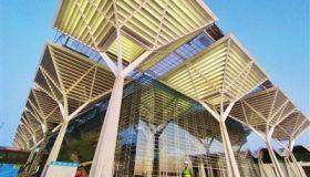 国家会展中心(天津)玻璃幕墙施工月底完工