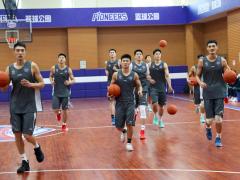 天津男篮征战CBA第二阶段 刘铁:或全华班作战