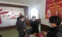 津南区长邓光华暗访检查部分村居疫情防控工作