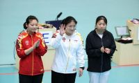 全运会女子10米气沈奕瑶力压队友姜冉馨夺冠